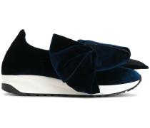 Samt-Schuhe mit Oversized-Schleife