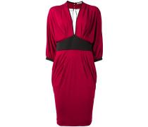 Kleid mit gerafften Details