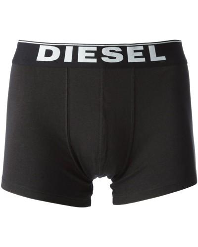 Zwei schwarze Shorts mit Logo