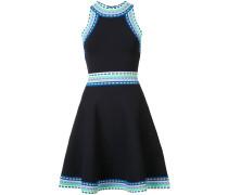 Ausgestelltes Kleid mit Kontraststreifen