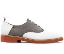 Derby-Schuhe mit Kontrasteinsatz