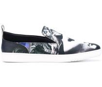 Slip-On-Sneakers mit Medusa-Print