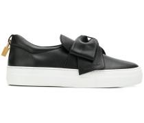Sneakers mit Schleife