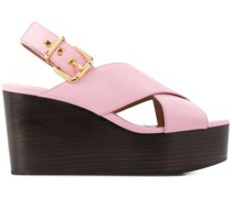 Sandalen mit gekreuzten Riemen