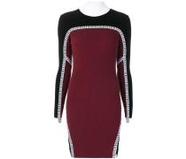 Enges Kleid mit Rollkragen