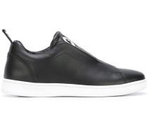 Slip-On-Sneakers mit Öse