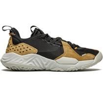Delta Sneakers