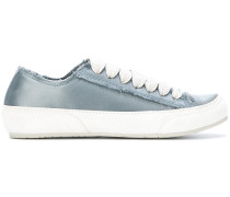 Klassische Sneakers mit Schnürung