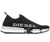 Slip-On-Sneakers mit Logo