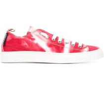 Sneakers mit Batikmuster