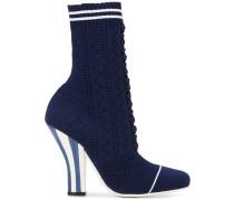 Schnürstiefel im Socken-Stil