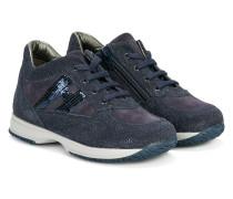 Sneakers mit Glitzer-Applikationen