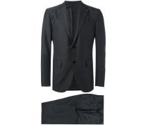 Anzug aus Wolle mit fallendem Revers