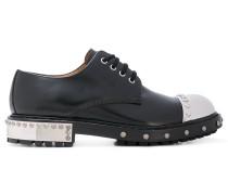 Derby-Schuhe mit metallischer Kappe