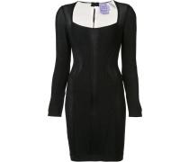 Enganliegendes Jacquard-Kleid
