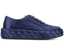 Gesteppte Sneakers mit Plateau-Sohle