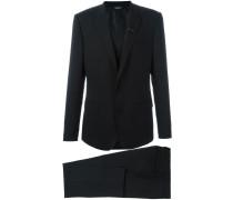 Zweiteiliger Anzug aus Schurwolle