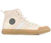 'GR02 SH32' Sneakers