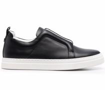 Sneakers mit elastischer Öffnung