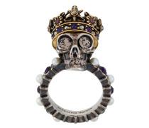 Totenkopfring mit Perlen