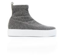 Sneakers in Sockenoptik