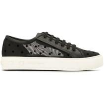 Gepunktete Sneakers