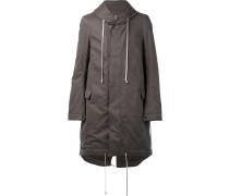 Gefütterter Mantel mit Schwalbenschwanz