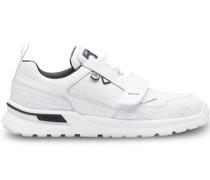 Sneakers mit Risseffekt