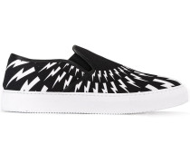 Slip-On-Sneakers mit Blitz-Print