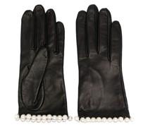 Kurze Handschuhe mit Verzierung