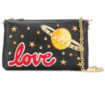 "Clutch mit ""Love""-Patch"