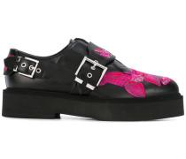 Loafer mit aufgestickten Schmetterlingen