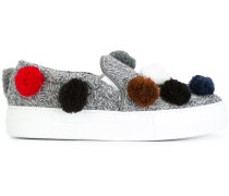 Sneakers mit Bommeln