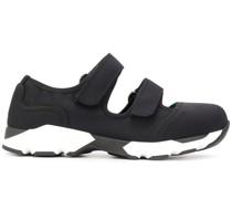 Sneakers mit Klettverschluss