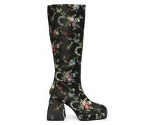 Stiefel mit Blumenstickerei