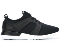 Slip-On-Sneakers mit runder Kappe