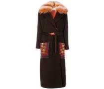 Einreihiger Mantel mit Pelzbesatz