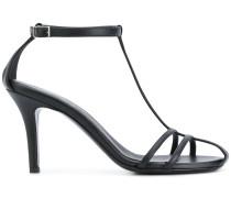 Klassische Sandalen mit T-Riemen