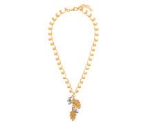 Halskette mit floralem Anhänger
