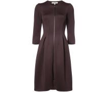 Ausgestelltes Kleid mit Reißverschluss
