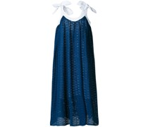Kleid mit Ösen
