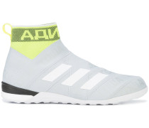 ankle length sneakers