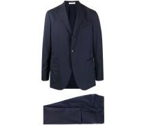 Anzug mit aufgesetzten Taschen