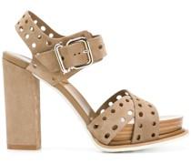 Sandalen mit Lochmuster