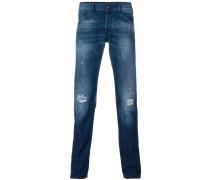 Schmal zulaufende Jeans mit Waschung