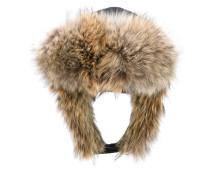 Wattierter 'Herringbone' Hut mit Kojotenpelzbesatz