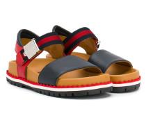 Sandalen mit Webstreifen