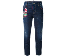 'Cool Girl' Cropped-Jeans mit Patches