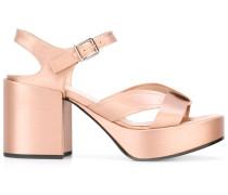 Sandalen mit Metallic-Effekt - women