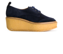 Sneakers mit kontrastierender Plateausohle